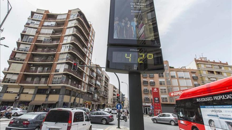 Dos indigentes fallecen en Valencia y Xirivella en el día de más calor en mayo