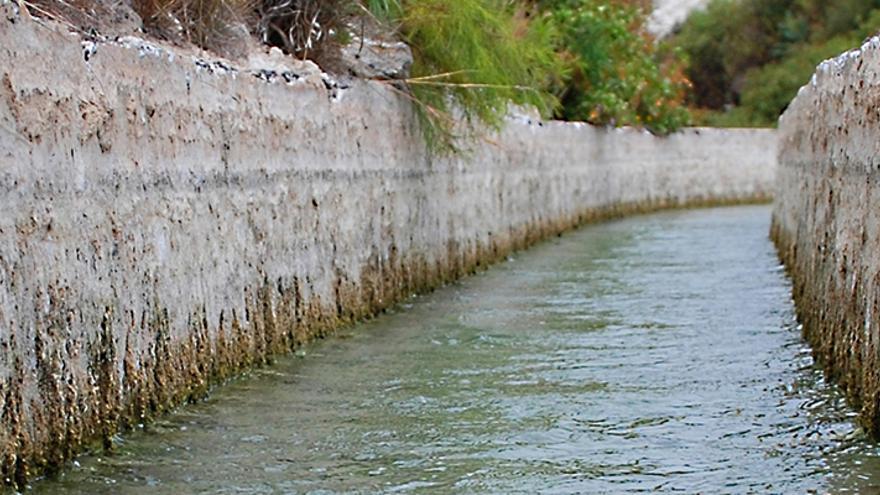 Canal para la conducción de agua, en una imagen de archivo