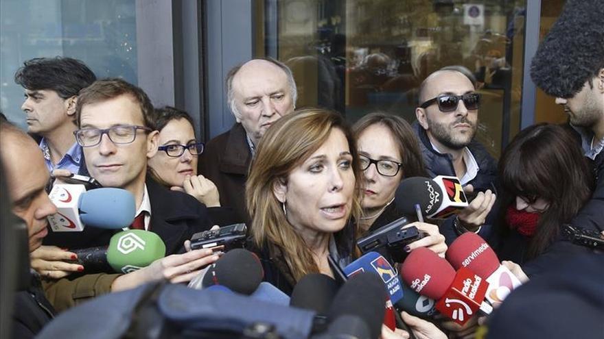 Sánchez-Camacho pide al PSOE que no busque atajos ni el poder a cualquier precio