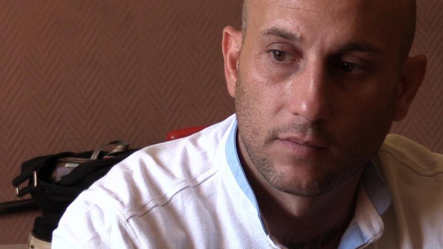 """""""Veo muy injusto que haya tantas casas en España vacías y que estemos familias en la calle"""", denuncia Rubén"""