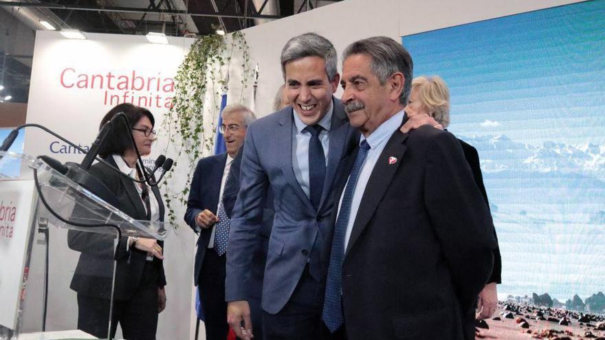 Pablo Zuloaga y Miguel Ángel Revilla en el acto del Día de Cantabria en FITUR 2020. | ANDRÉS HERMOSA