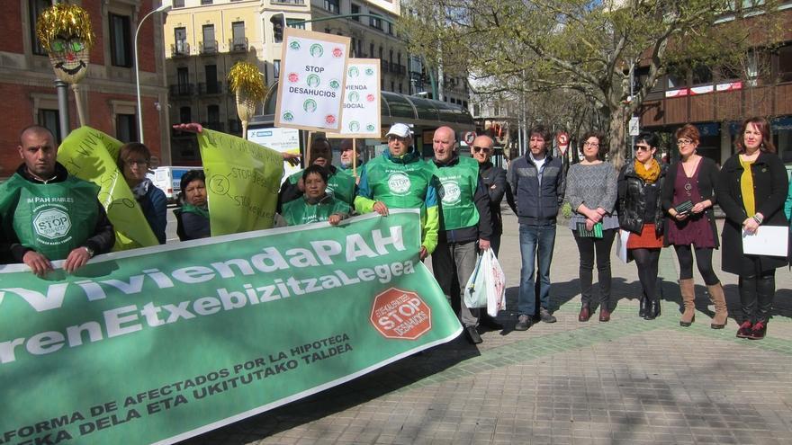 La PAH pide con el apoyo de entidades navarras una ley contra desahucios y a favor de alquileres asequibles