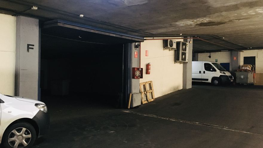 La entrada por la parte del garaje a la nave de Haibu