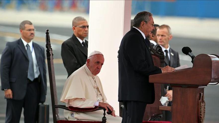 """El Vaticano dice que es """"posible"""" un encuentro mañana entre el papa y Fidel Castro"""