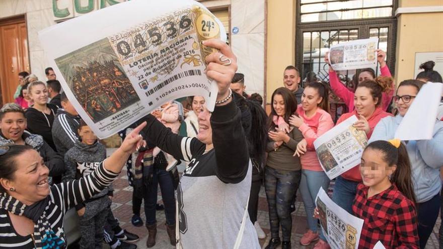 Los comunistas de Pinos Puentes llenan los bolsillos de los granadinos