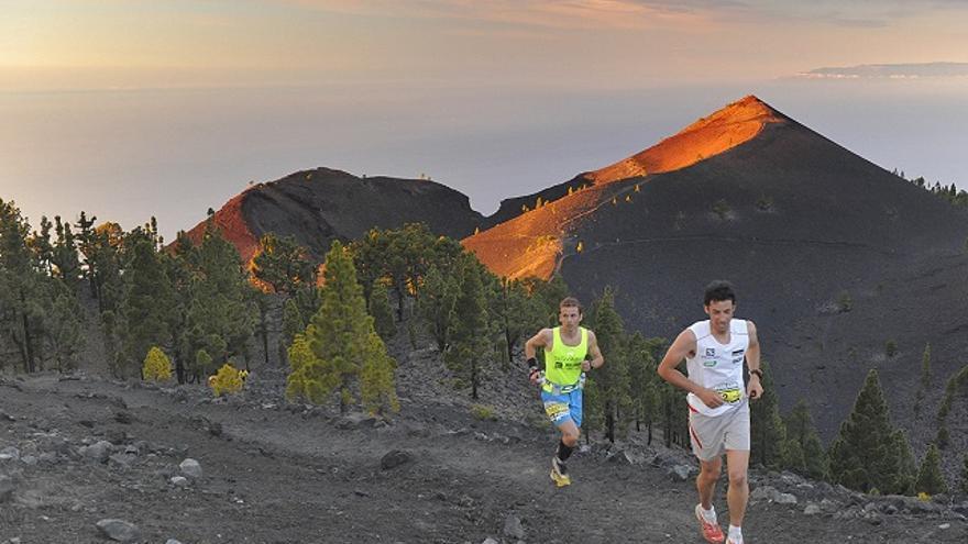 El ganador de la Transvulcania 2013, Kilian Jornet, este año, en el tramo de la Ruta de los Volcanes.