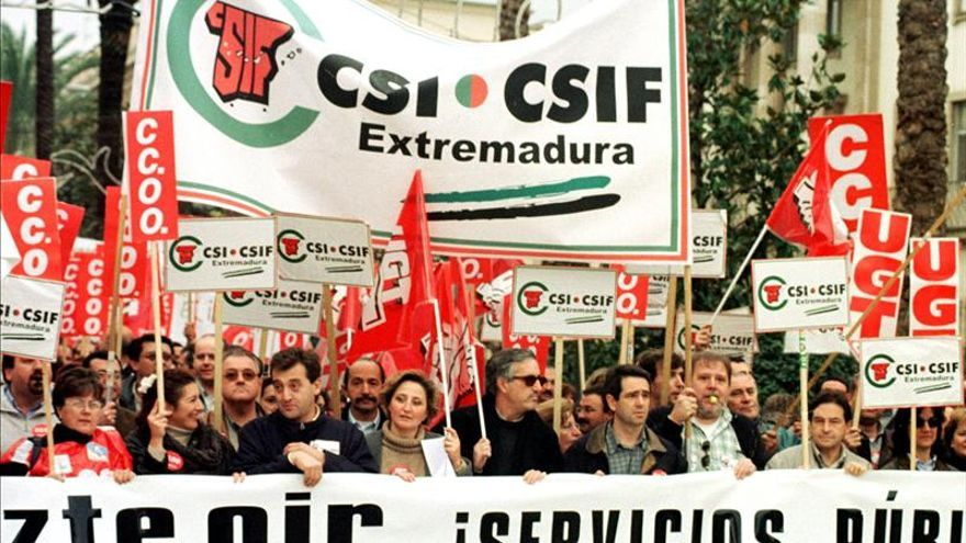 CSIF pide hacer extensiva a todos los funcionarios la devolución de la extra