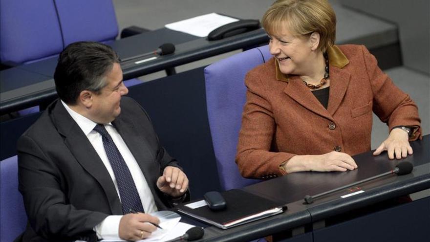 """Berlín ruega a Occidente no """"cortar"""" los canales de comunicación con Rusia"""