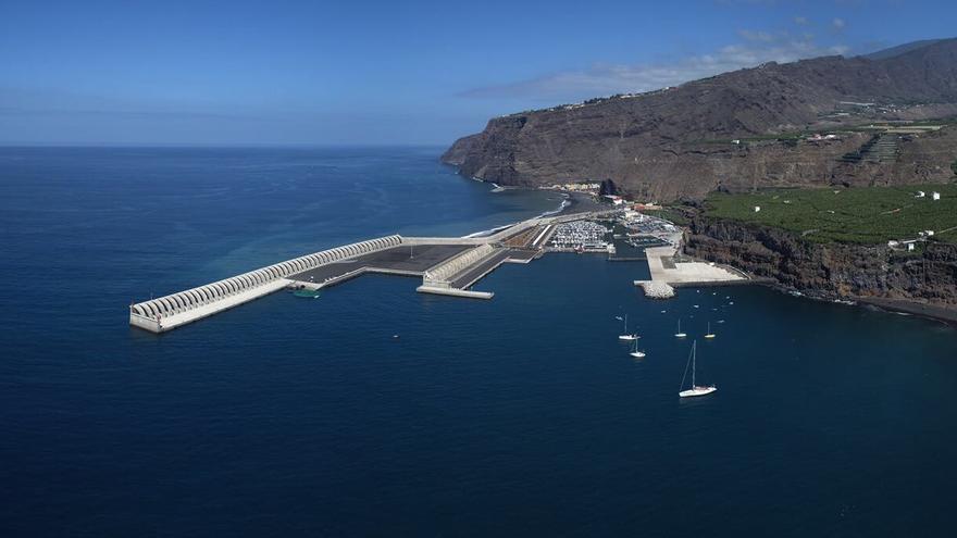 En la imagen, el puerto de Tazacorte.
