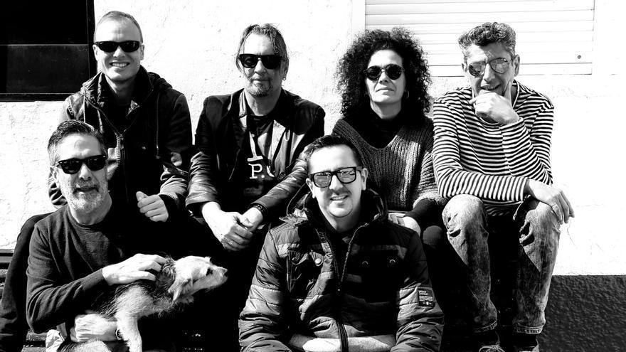 En la imagen, los músicos protagonistas de 'Crónicas en llamas'.