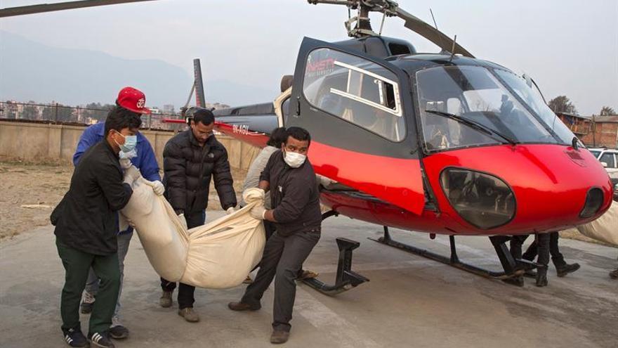 Se estrella un avión en Nepal con 11 personas a bordo