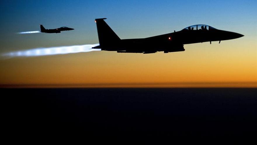 Mueren 20 combatientes del EI por un bombardeo iraquí cerca de la frontera siria