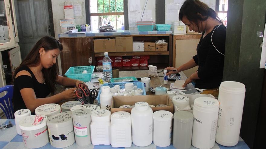 Antirretrovirales (ARV) en una clínica de MSF en Myanmar donde la ONG trata a más de 27.000 pacientes con VIH/sida con ARV de primera línea/ Foto: Aye Pyae Sone/MSF