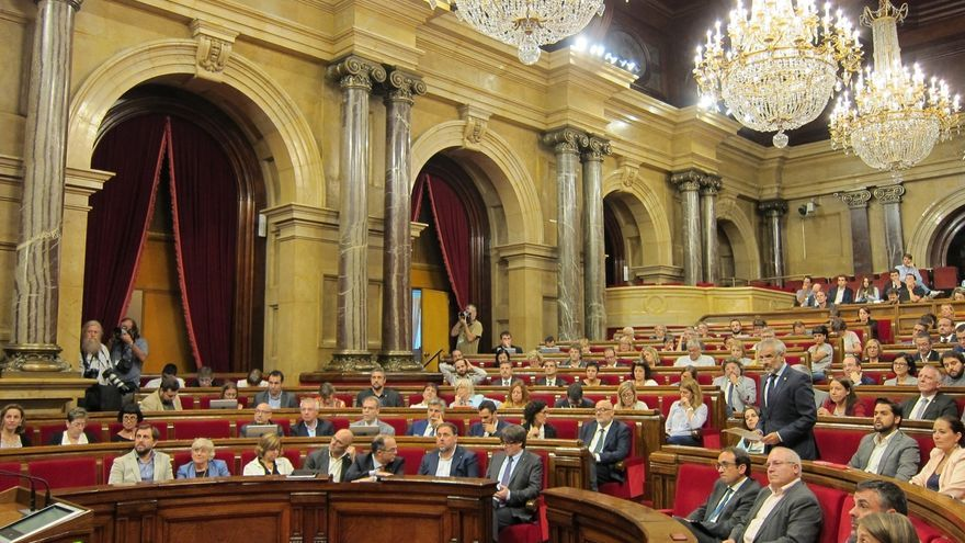 Bronca en el Parlament por el veto a que el Consell de Garanties se pronuncie sobre la ley de transitoriedad