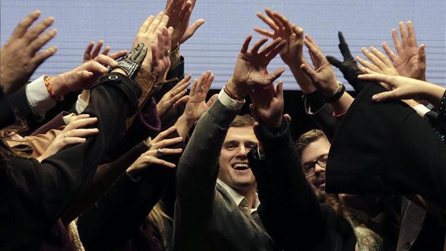 Rivera, en un mitin de Ciudadanos en Nou Barris, Barcelona.