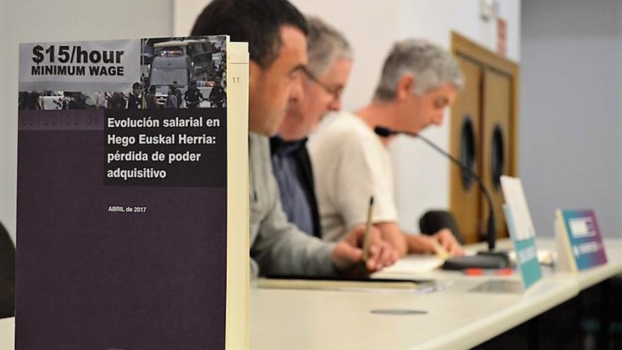 Presentación del informe por parte de los responsables de ELA. Foto: ELA