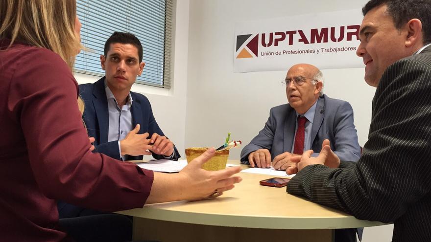 El candidato socialista a la Alcaldía de Murcia, José Ignacio Gras, se ha reunido con representantes de UPTA