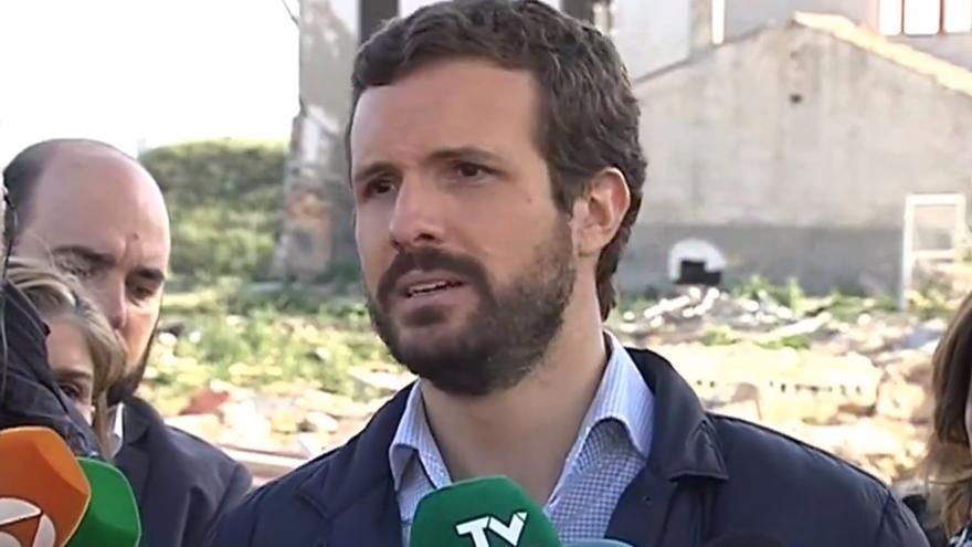 Pablo Casado atiende a los medios en Almoradí FOTO: Europa Press
