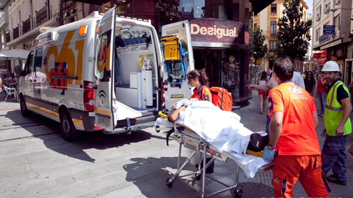 Trasladado un herido en un accidente laboral