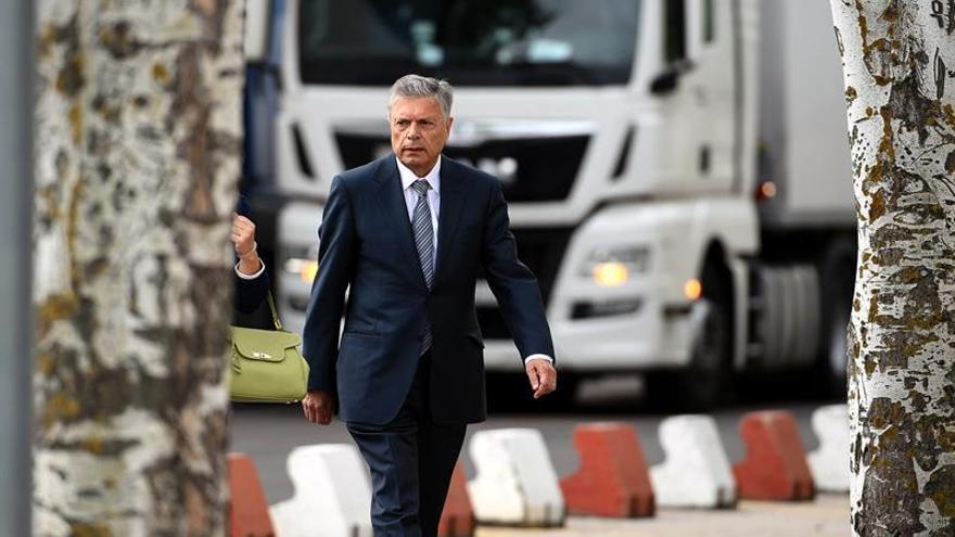 El expresidente de la CAM ignoraba los problemas de la caja 15 días antes de la intervención