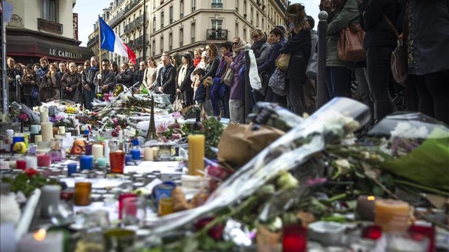 El mundo guarda silencio en recuerdo a víctimas y como repulsa a atentados