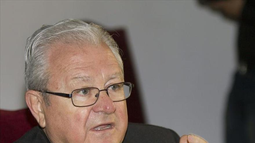 El obispo de Mallorca niega una relación sentimental denunciada a la Nunciatura
