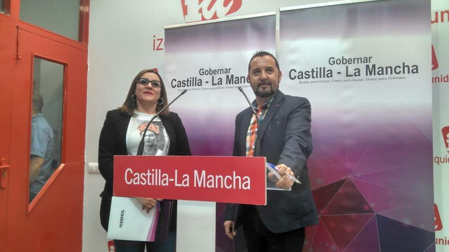 Jorge Vega (IU) y María Díaz (Podemos)
