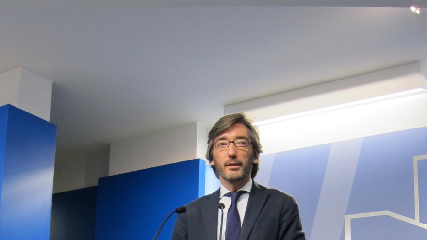 """Oyarzábal dice que Bildu sirve para """"gritar detrás de una pancarta"""", pero su gestión es """"desastrosa"""" donde gobierna"""
