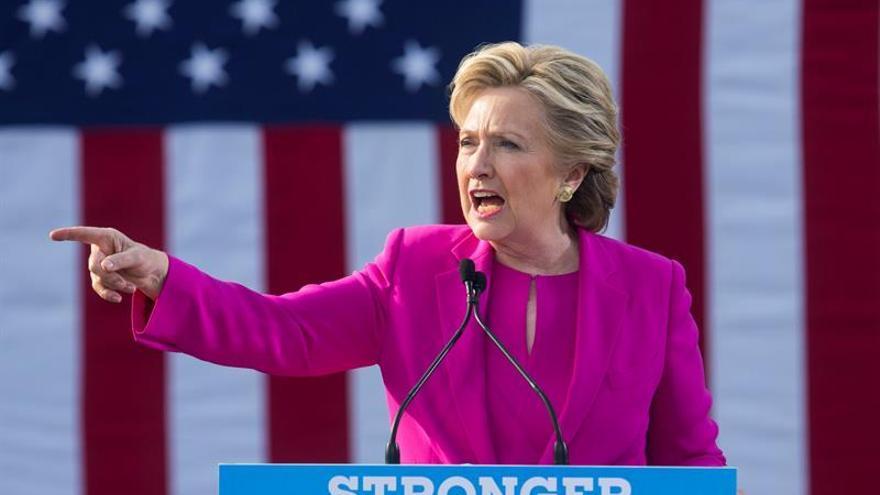 """Clinton: """"Derechos de las mujeres son el gran asunto pendiente del siglo XXI"""""""