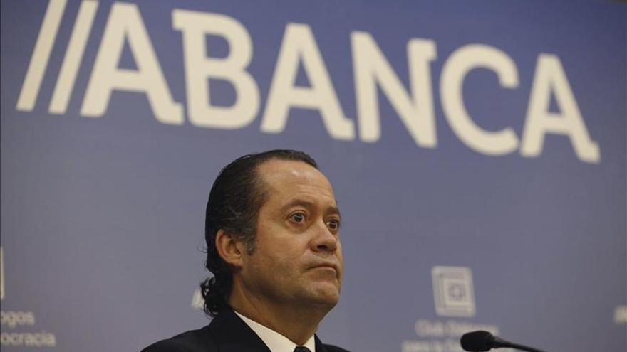 """Escotet dice que la banca tiene en el crédito la """"herramienta crucial"""" para las familias"""