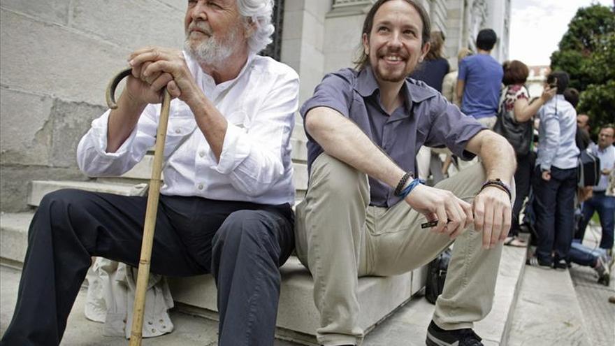 Iglesias dice que un éxito del no en Grecia acercará la recuperación de la democracia