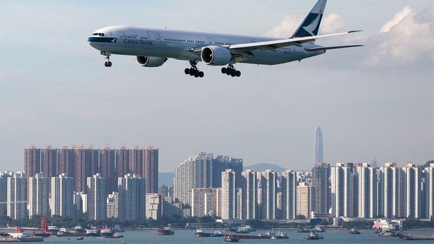 El aeropuerto de Hong Kong suspende los vuelos de salida por las protestas