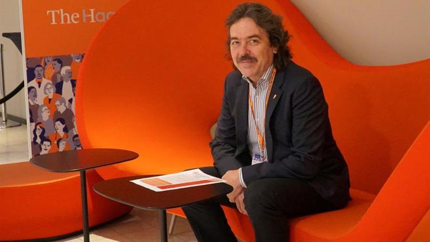 El doctor español José Caminero. EFE/ Imane Rachidi