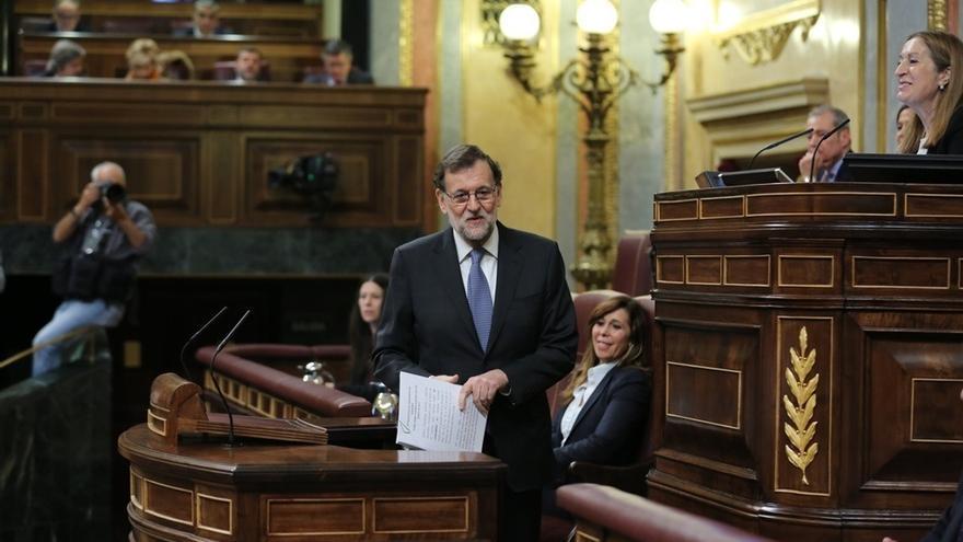 Rajoy dice a la oposición que la responsabilidad política se exige con moción de censura