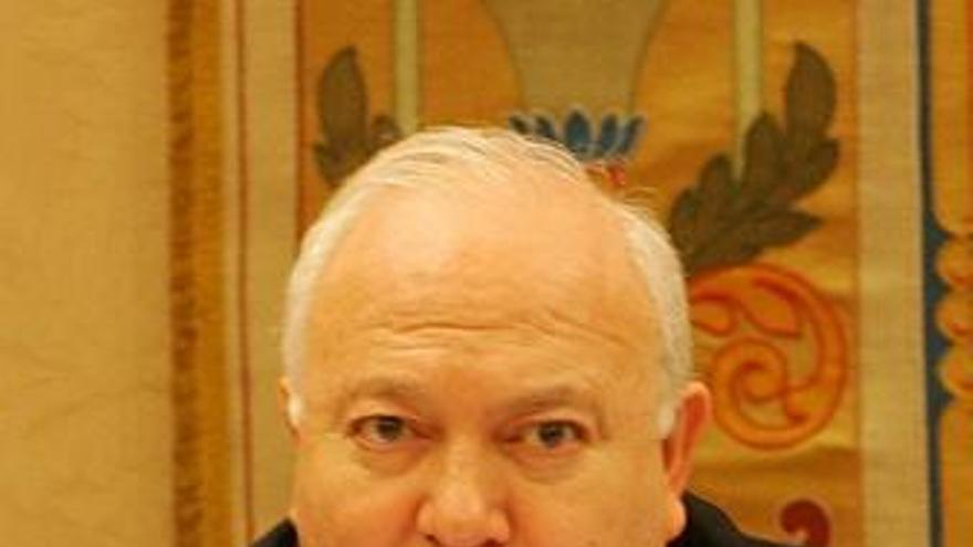 """Moratinos dice que trabajan """"todas las horas del día"""" para encontrar solución al Alakrana"""