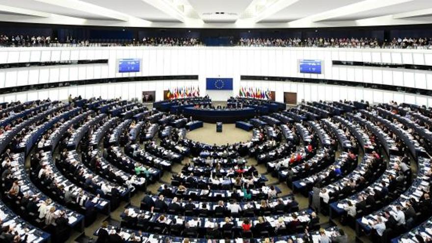 El PPE gana las elecciones a la Eurocámara con 173 escaños, según sondeos