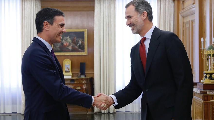 El presidente en funciones, Pedro Sánchez, a su llegada a la ronda de consultas con el rey Felipe VI
