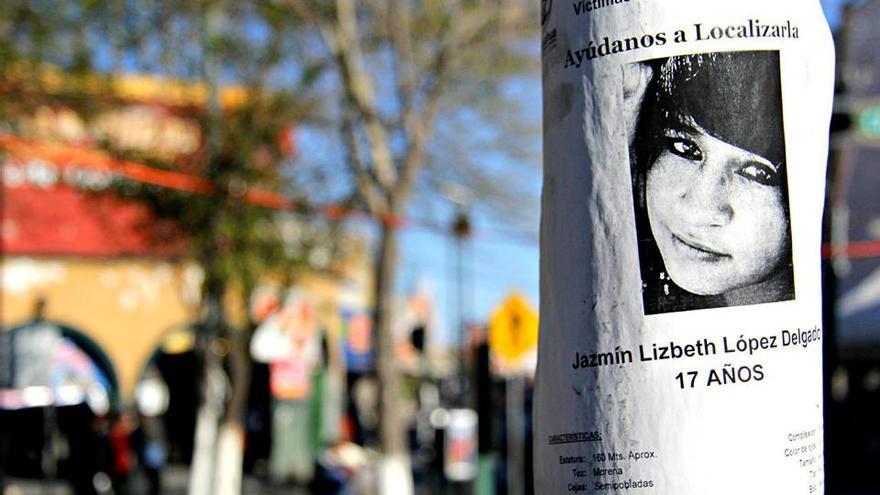 Una joven desaparecida en una calle de Juárez. Se calcula que cada día desaparecen 13 personas en México./ Javier Molina.