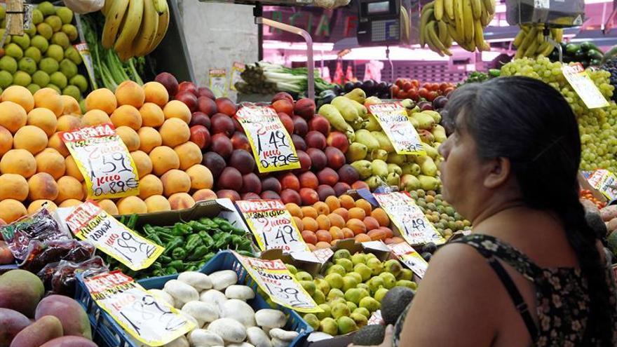 La inflación se eleva al 2,3 % en junio impulsada por los carburantes y las frutas