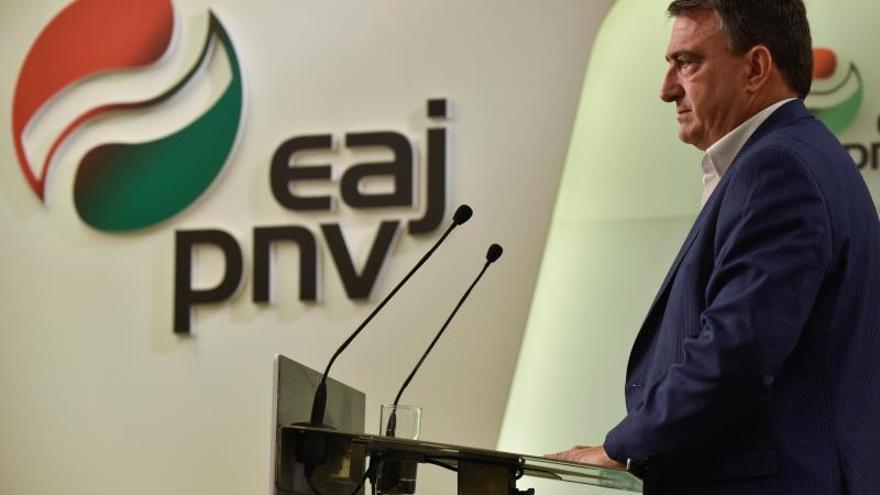 PNV: ¡Qué vergüenza que PP y Cs pidan ilegalizar partidos independentistas!