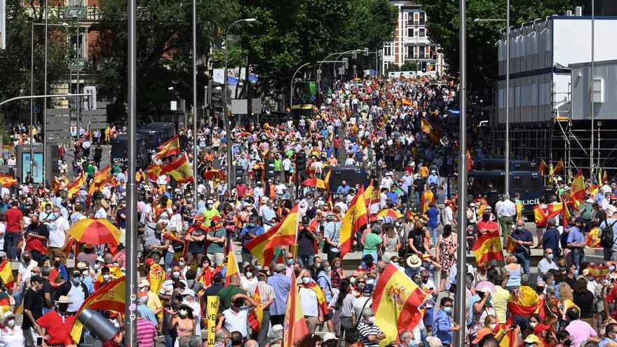 La Plaza de Colón grita no a los indultos y cierra sin foto de la derecha