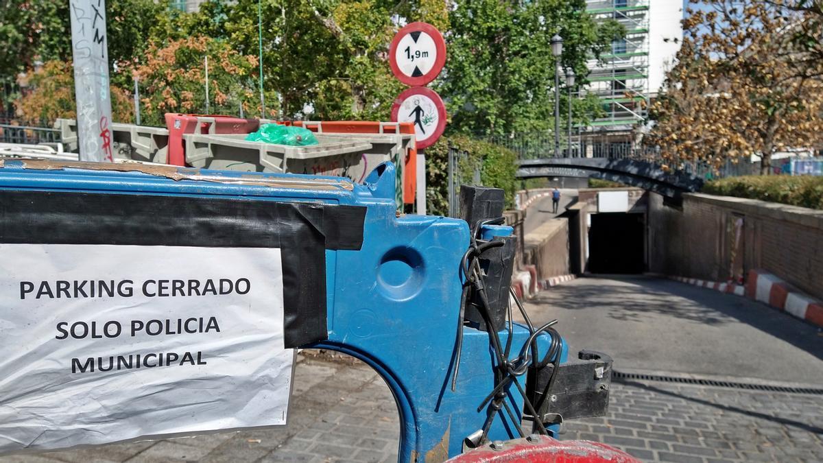 Entrada actual al párking de la Plaza del Carmen