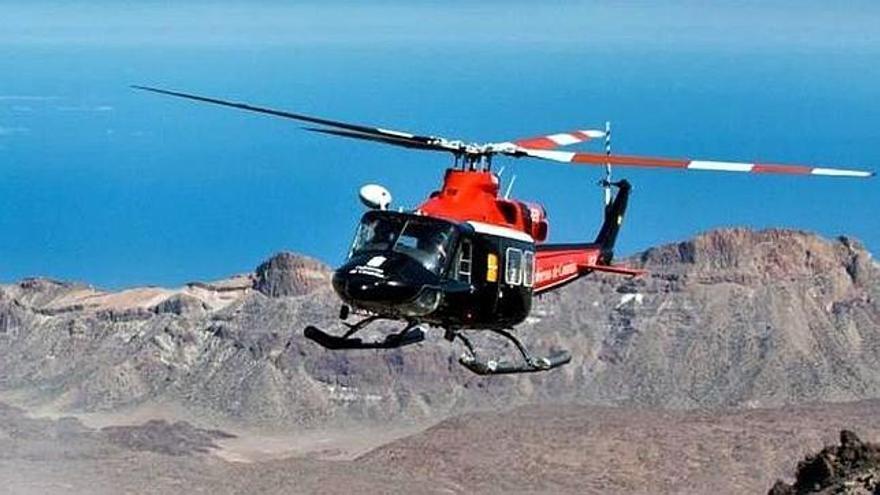 Fotografía de archivo de un helicóptero del Grupo de Emergencias y Salvamento (GES) del Gobierno de Canarias.