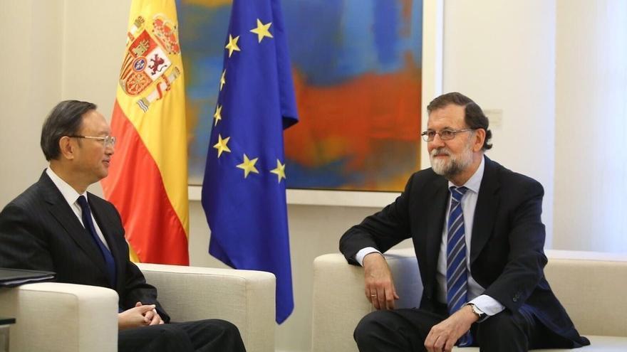 """Rajoy y el consejero de Estado chino Yang Jiechi cosntatan el """"muy positivo"""" estado de las relaciones bilaterales"""