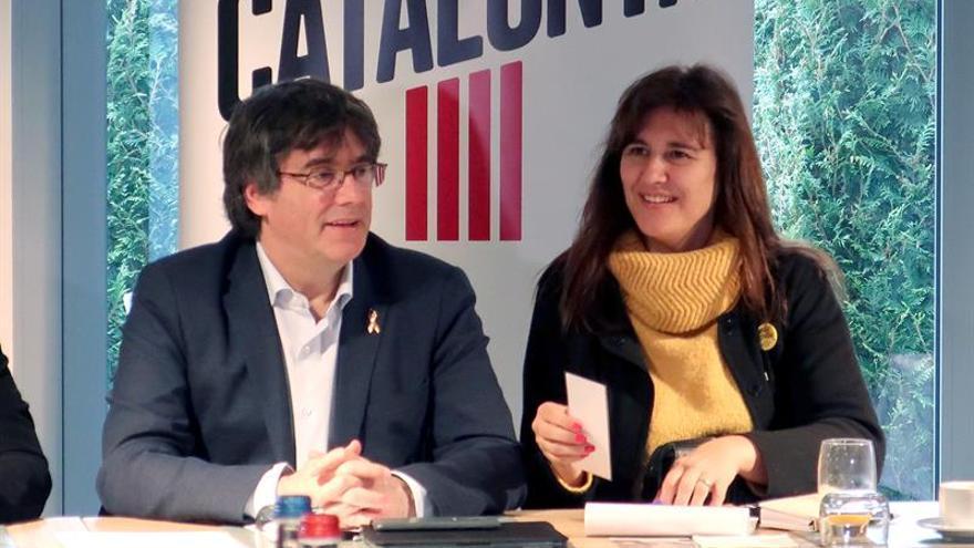 """Puigdemont pide """"no negar"""" la opción de un referéndum en Cataluña"""
