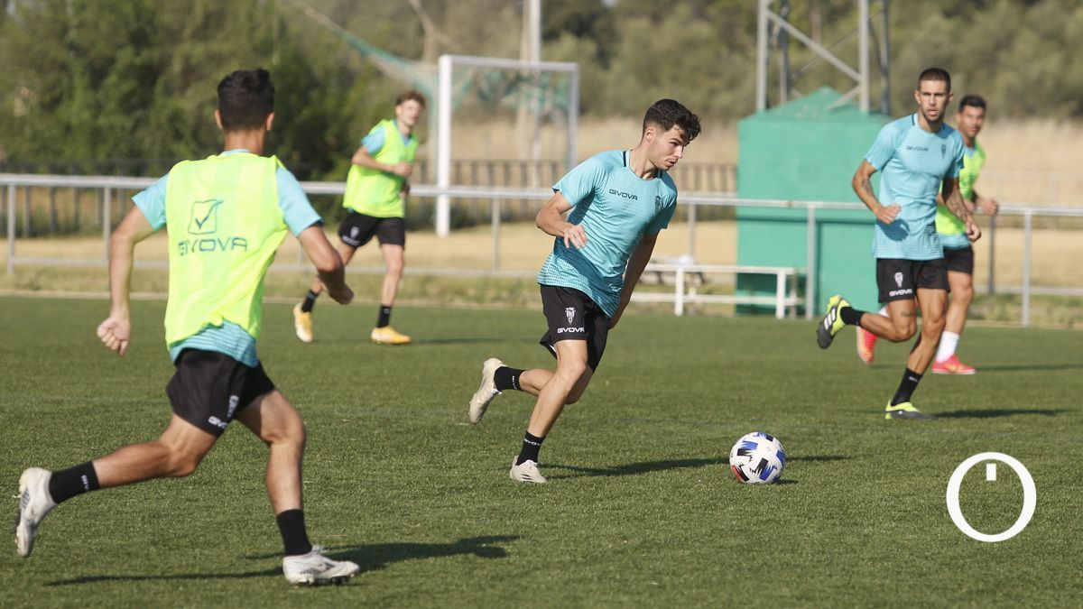 Luismi, en un entrenamiento del Córdoba