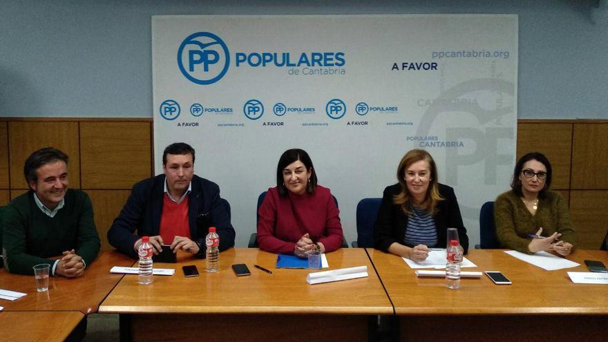 Reunión extraordinaria del comité ejecutivo regional del PP cántabro. | L.G.
