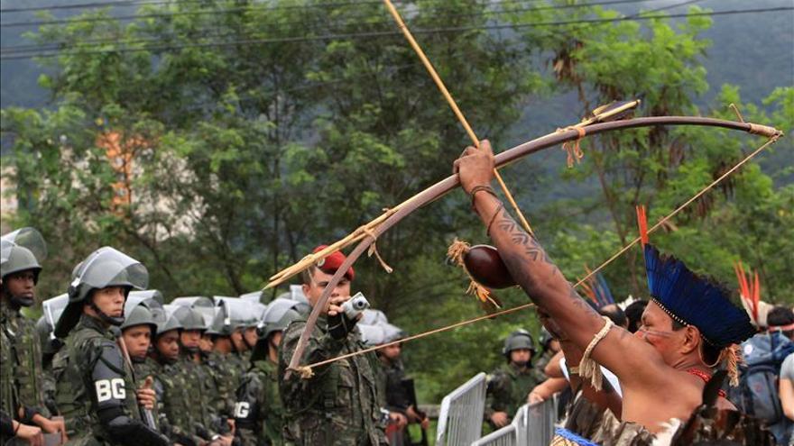 Número de indios muertos en conflictos por tierra en Brasil cayó a 53 en 2013