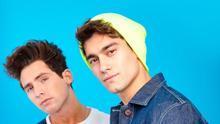 Fotografía sin fecha cedida por Sony Music Latin que muestra a los cantantes Maxi Espíndola (i) y Agustín Bernasconi (d).