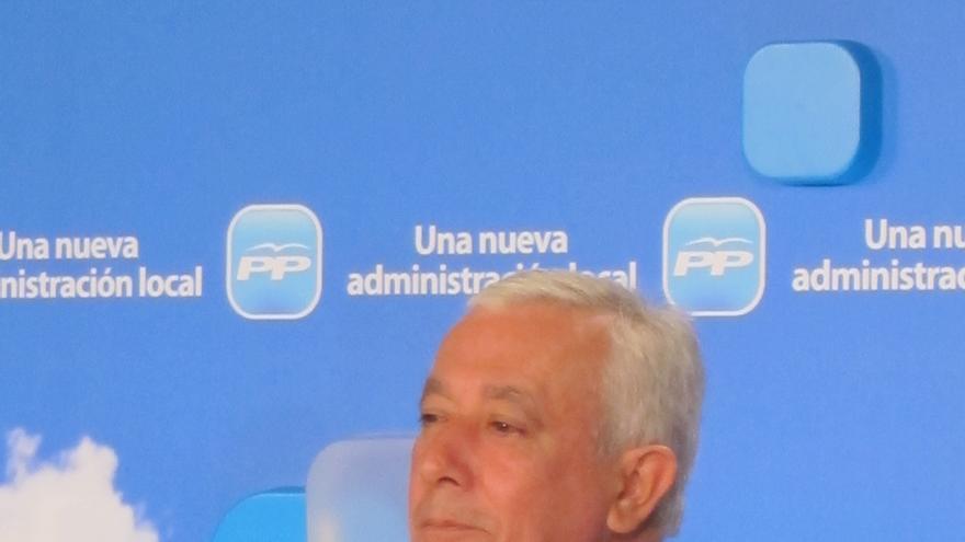 """Arenas asegura que el PSOE está """"imposible"""" y que su """"ficción de unidad"""" ha roto el consenso en la reforma local"""